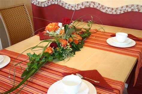 tisch mittelstücke für weihnachten blumen gestecke f 195 188 r den tisch