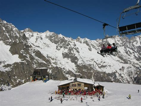 best skiing in italy skiing in courmayeur italy visititaly info