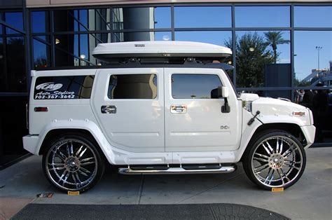 hummer h2 white hummer h2 white sema 2008 with 30in wheels img 2 it s