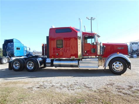 Used 2015 Kenworth W900l 86 Studio Tandem Axle Sleeper