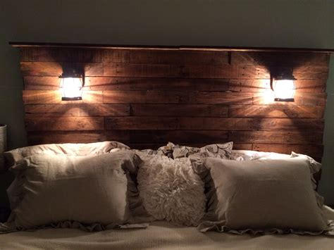 Light Wood Headboard How To Make Traditional Stylish Or Luxury Bedroom With Bed Headboard Interior Design