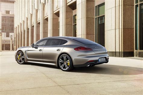 169 Automotiveblogz 2015 Porsche Panamera Turbo S Photos