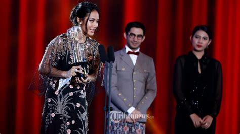 film terbaik festival film indonesia 2015 wanita terbaik dan pria terbaik ffi 2015 tribunnews com