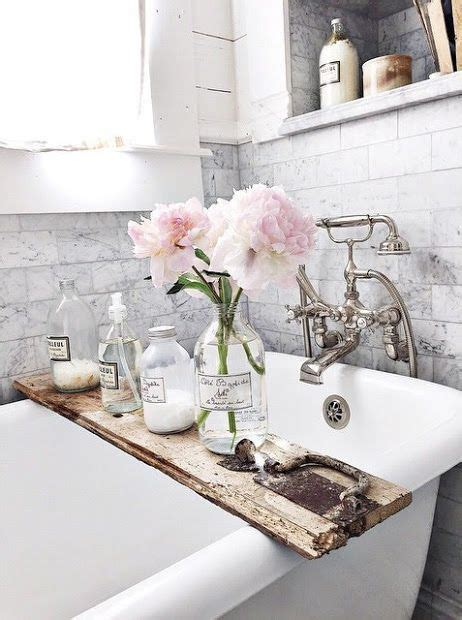 parisian bathroom decor best 25 bathroom flowers ideas on pinterest