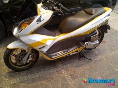 Jual Motor Bekas Pcx jual honda pcx 125i 2010 modif putih kuning motor