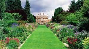 Formal Garden - yorkshire gardens to visit open to the public great british gardens
