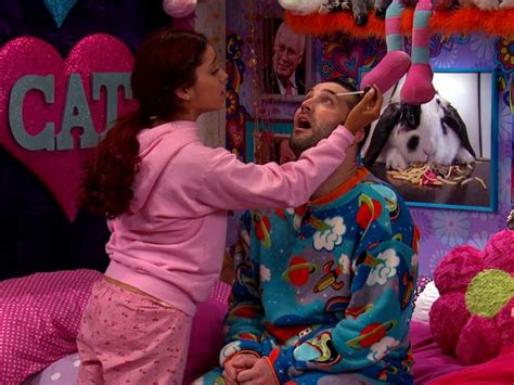 sam and cat room image cat and goomer in cat s room jpg sam and cat wiki fandom powered by wikia