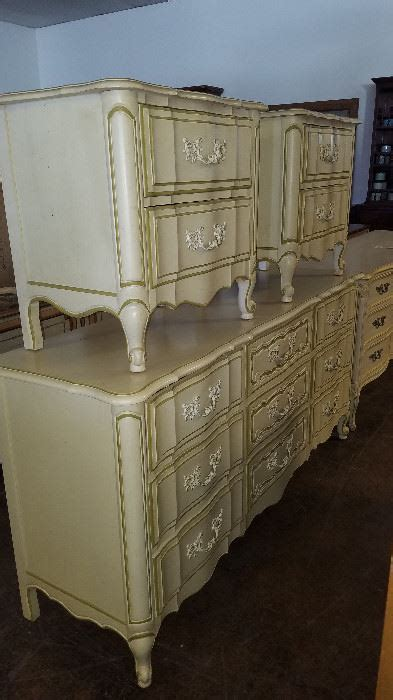 thomasville french provincial bedroom set huge vintage store warehouse closing location starts on 5