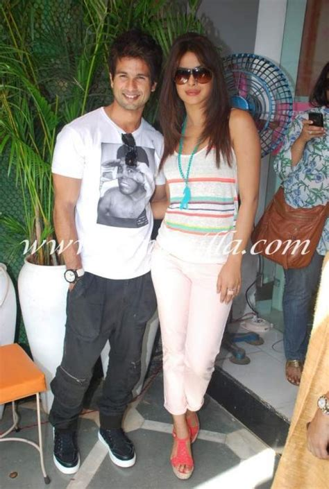 Spotted Shopping Teri And More by Shahid Kapoor And Priyanka Chopra Promote Teri Meri