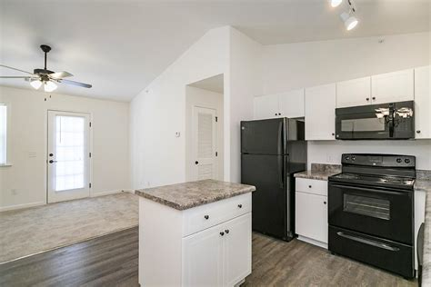 2 Bedroom Apartments In Augusta Ga | two bedroom with patio balcony helena springs apartments