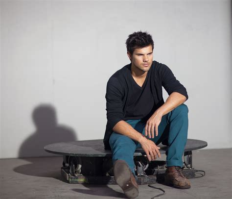 taylor lautner bench press taylor lautner for bench kelly misa
