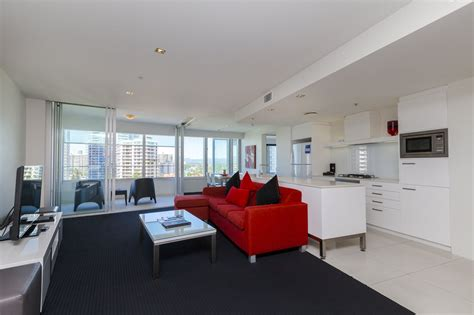 1 Bedroom Apartment Gold Coast Q1 Resort S One Bedroom Spa Apartment Gold Coast