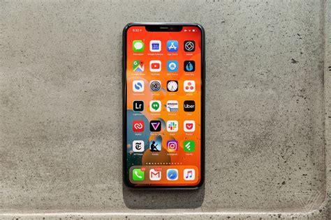 apple fixes  weird bugs   ios  update