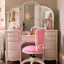 Makeup Vanity Offer Up Ways To Store Your Makeup Vanities Addicted To Lipstick