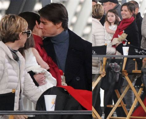 jackson y tom photos of tom cruise and katie holmes kissing on the set