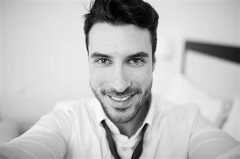 imagenes a blanco y negro para perfil lo que puedes decir de un hombre con solo ver sus fotos de