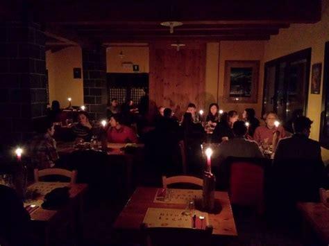 cene a lume di candela ciaspolate e cene a lume di candela l inverno ai lagdei