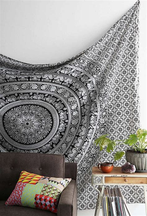 room tapestry using tapestries to transform your living room