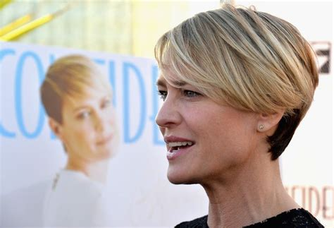 robin wright s hair color change in house of cards 25 beste idee 235 n over robin wright kapsel op pinterest