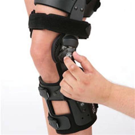 best knee braces 17 best ideas about knee brace on knee