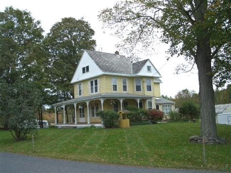 queen anne victorian houses country farmhouse victorian 1897 victorian queen anne in fair oaks near middletown