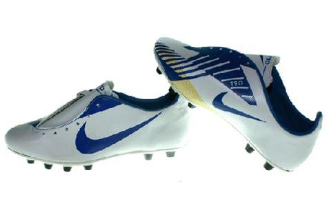 Harga Nike Ctr nike ctr360 bola pusat sepatu bola dan futsal