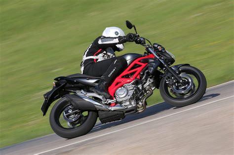 Motorrad Suzuki Gladius by Suzuki Gladius 650 Test 2014