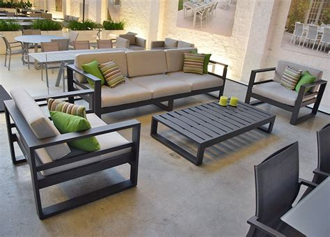 salon de jardin aluminium 421 salon de jardin 5 places en alu anthracite azuro