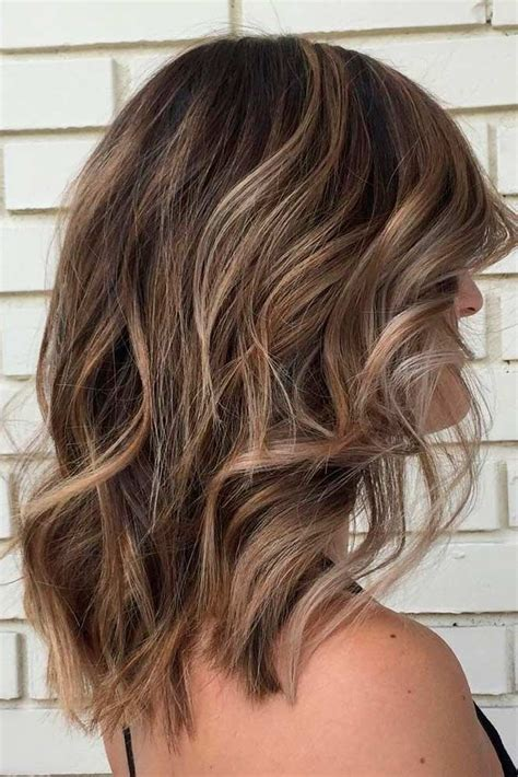 layered beachy medium length haircut top 25 best wavy medium hairstyles ideas on pinterest
