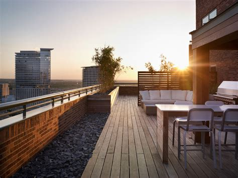 city deck design contemporary deckpatio  design build