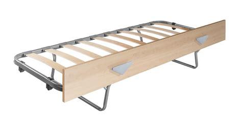 rete per divano letto cameretta ari con ponte a una colonna camerette