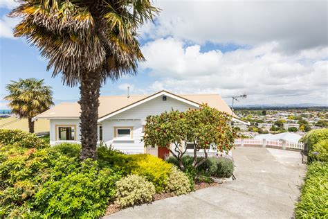 city house real estate 16 guys hill road hospital hill napier city 4110 hawke s bay property real estate in new