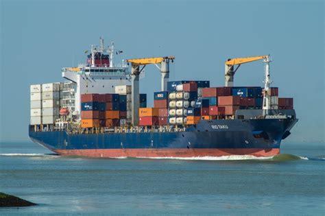 scheepvaart westerschelde live scheepvaart westerschelde zeeland op foto