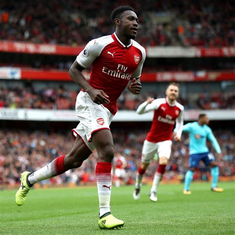 arsenal bleacher report arsenal cruise past bournemouth courtesy of danny welbeck