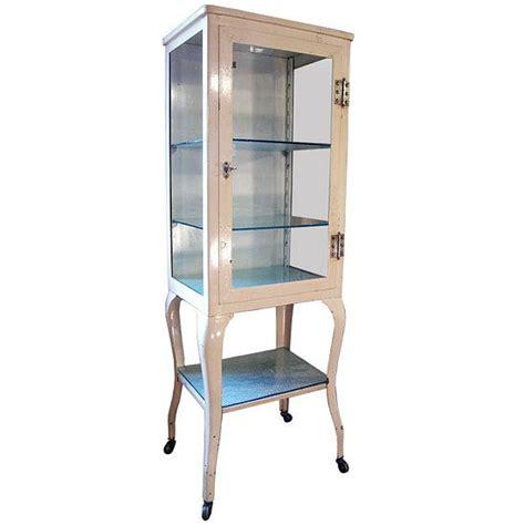 vintage style medicine cabinet 32 best images about vintage medicine cabinets on