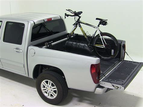 thule bed rack truck bed bike racks for 2012 chevrolet colorado thule th822xt