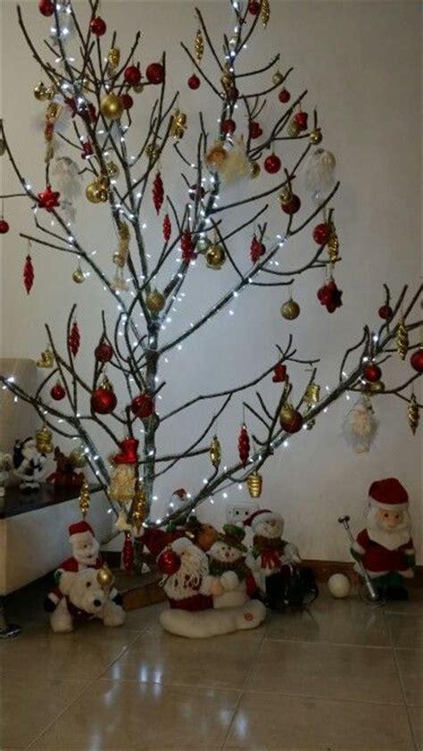 decoracion navide a con ramas m 225 s de 25 ideas incre 237 bles sobre ramas navide 241 as en