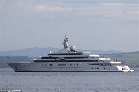 boat mooring greenock roman abramovich s 163 1 5billion super yacht arrives in