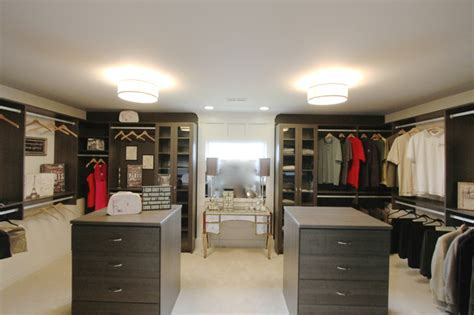 His And Hers Walk In Closet Designs by His Hers Walk In Closet