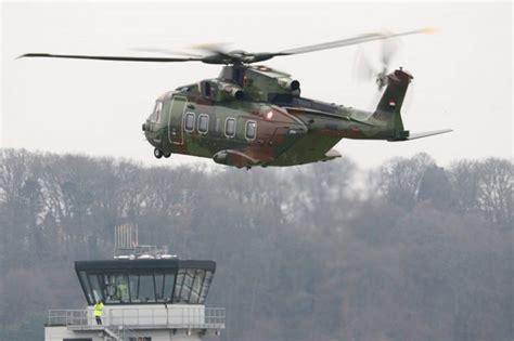 Lu Emergency Pabrik agustawestland aw101 mk 4 untuk angkatan udara indonesia