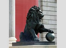 Lion With Ball | These lions holding a ball were common in ... Mobile
