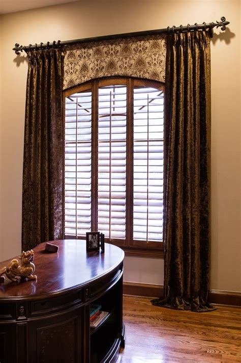 how to hang curtains on arched window 1000 ideas about arched window treatments on pinterest
