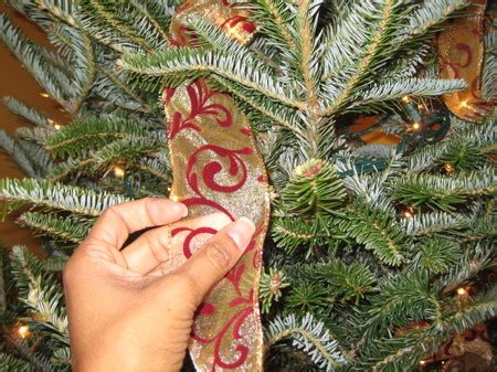 how to so vertical ribbon on christmas tree tree decorating