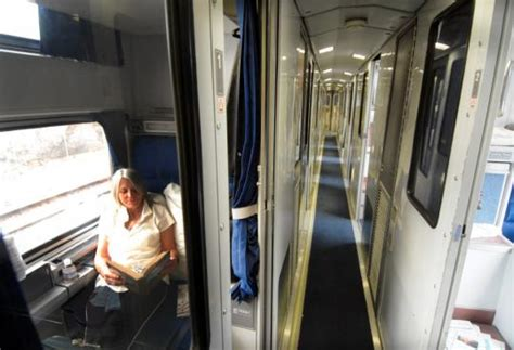 Amtrak Trains With Sleeper Cars by Amtrak Returns Sleeper Cars To Boston Chicago Run The