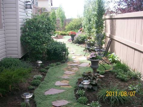 backyard stepping stones walkway ideas
