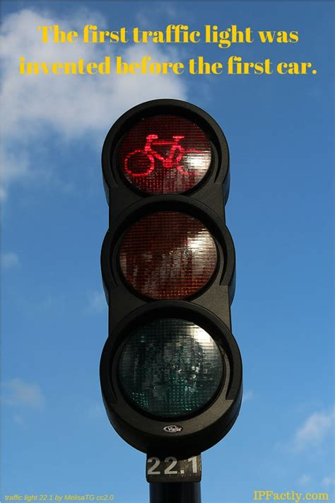 the traffic light was invented before the car