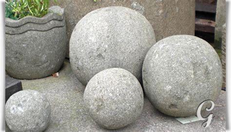 gartendeko kaufen garten steinkugel aus basanit 187 tonka 171 gartentraum de