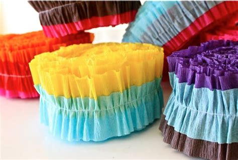 simple diy party decor easy zig zag accordion streamers 42 easy ways to decorate w o a party theme tip junkie