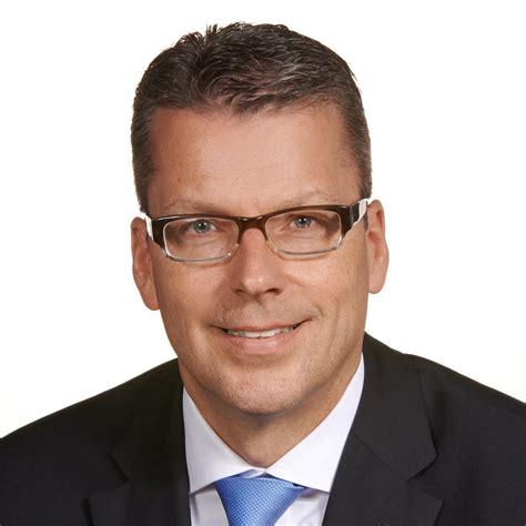 dresdner bank wiesbaden mario vice president senior investment manager