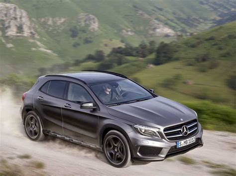 Small Mercedes Cars Mercedes Reveals Gla Compact Suv Business Insider